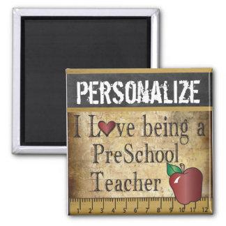 Imã Amor que é um professor pré-escolar
