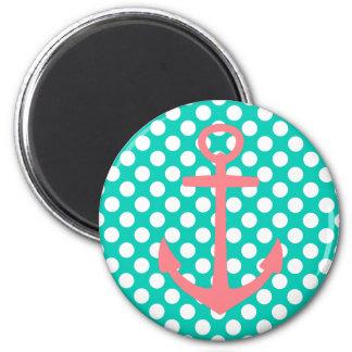 Imã Âncora cor-de-rosa no mar da ilha e nas bolinhas