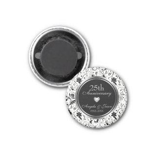 Imã Aniversário de prata das flores pretas florais