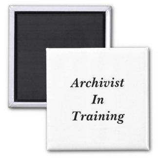 Imã Arquivista em etiquetas do treinamento