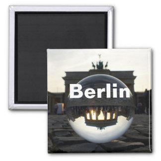 Imã Através da bola de cristal, porta de Brandemburgo
