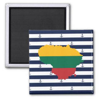 Imã Bandeira/mapa de Lithuania em fundo listrado