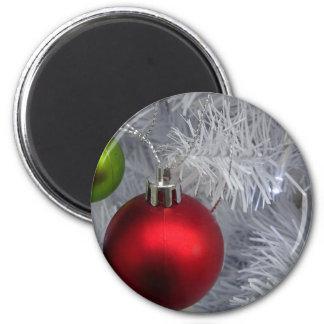 Imã Baubles da árvore do White Christmas