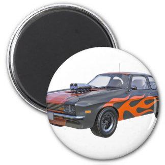Imã carro do músculo dos anos 70 com chama alaranjada