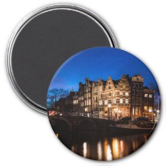 Imã Casas do canal de Amsterdão na noite