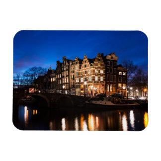 Ímã Casas do canal de Amsterdão na noite