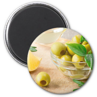 Imã Copo de vidro com azeitonas pitted verde