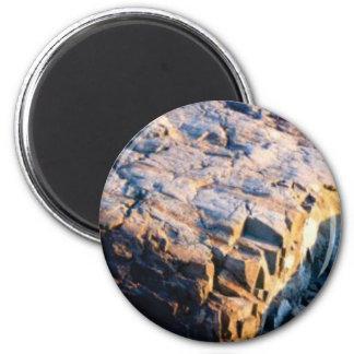 Imã cubo enorme da rocha