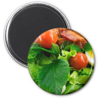 Imã Detalhe de uma placa com tomates de cereja, ervas