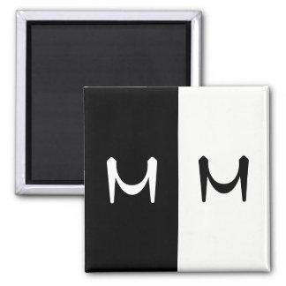 Imã Dobro preto & branco à moda monograma rubricado