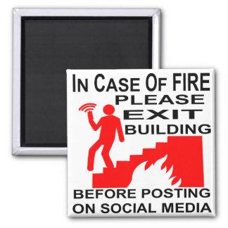 Imã Em caso do fogo retire por favor a construção