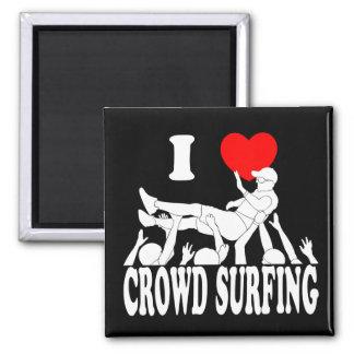 Imã Eu amo a multidão que surfa (o homem) (branco)