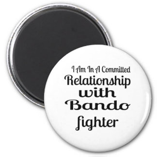 Imã Eu estou em uma relação cometida com Bando Fighte