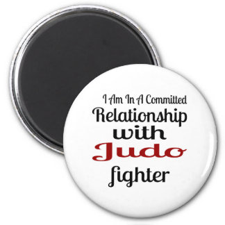 Imã Eu estou em uma relação cometida com lutador do