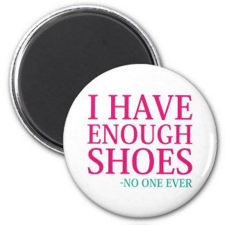 Imã Eu tenho bastante calçados