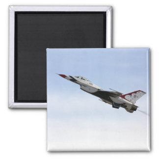 Imã F-16 Thunderbird em vôo