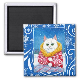 Imã Gato branco bonito, natureza do inverno do Natal