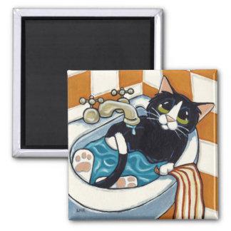 Imã Gato insolente que banha-se na ilustração do