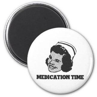 Imã Humor engraçado da paródia da enfermeira do tempo
