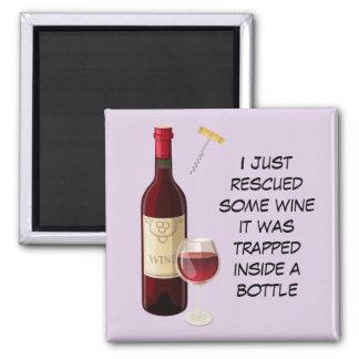 Imã Ilustração da garrafa e do vidro de vinho