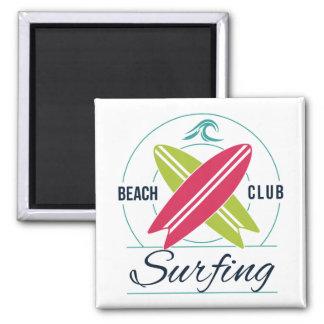 Imã Ímã surfando do clube da praia