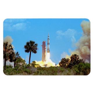 Ímã Lançamento da NASA Apollo 16 Saturn V Rocket