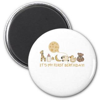Imã Lua, estrelas, e aniversário dos animais primeiro