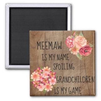 Imã Madeira rústica com o Meemaw floral rosa vermelha