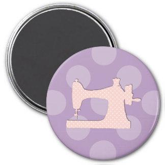 Imã Máquina de costura, bolinhas - branco cor-de-rosa