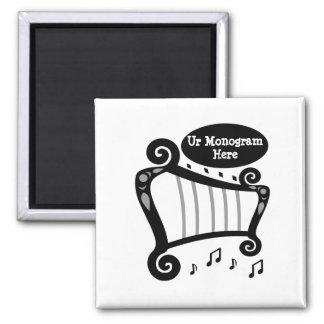 Imã Monograma preto e branco da harpa