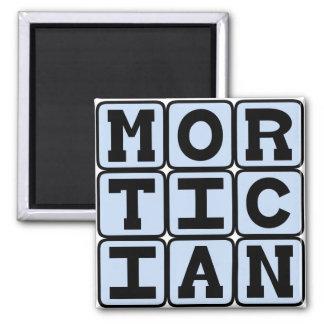 Imã Mortician, diretor fúnebre