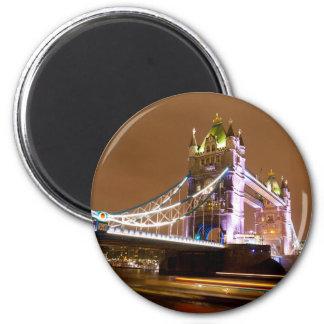 Imã Noite da ponte da torre