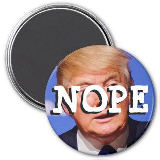 Imã Nope ao botão de Donald Trump