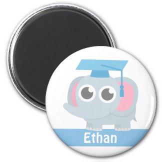 Imã O elefante bonito caçoa a graduação pré-escolar