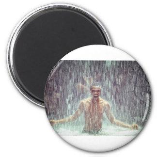 Imã O homem sob a cachoeira