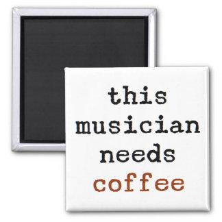 Imã o músico precisa o café