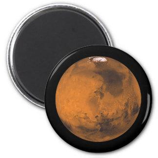 Imã O planeta vermelho Marte com os calotes polares no