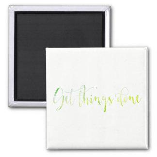 Imã Obtenha pensa o branco inspirador feito do verde