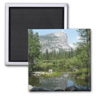 Imã Opinião do lago mirror no parque nacional de