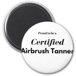 Imã Orgulhoso ser um curtidor certificado do Airbrush