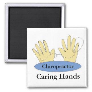 Imã Os Chiropractors têm as mãos de inquietação