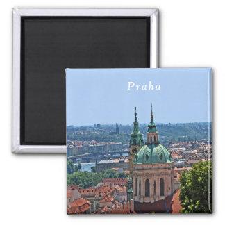 Imã Panorama de Praga e da igreja de São Nicolau.