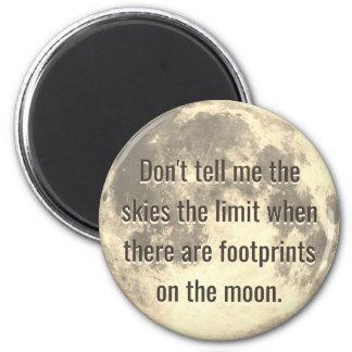 Imã Pegadas na lua