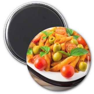 Imã Penne italiano da massa no molho de tomate com