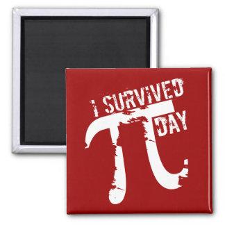 Imã Pi engraçados - Eu sobrevivi ao ímã do © do dia do