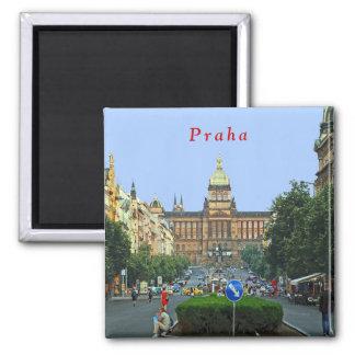 Imã Quadrado de Wenceslas e o Museu Nacional em Praga