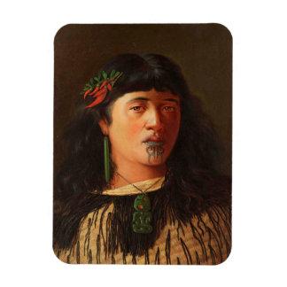 """Ímã """"Retrato de uma mulher maori nova com Moko"""