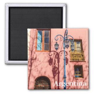 Imã Revérbero e parede cor-de-rosa