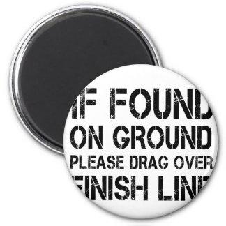 Imã Se encontrado na terra arraste por favor sobre o