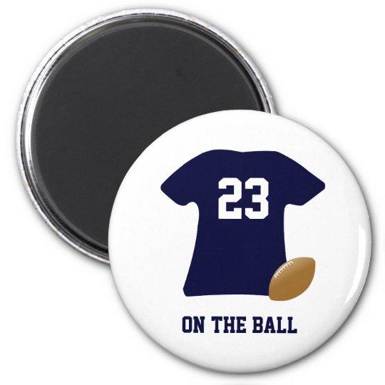 Imã Sua camisa do futebol com bola